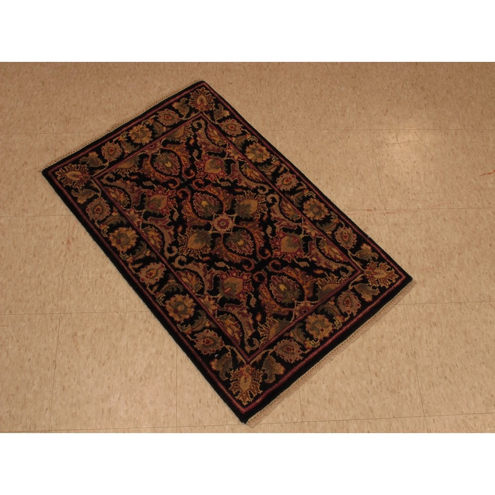 Size 2 0 X 3 0 Majestic Wool Rug From India